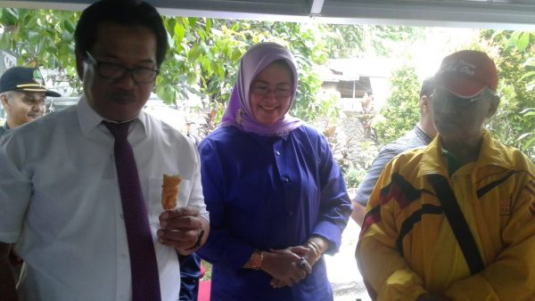 Kepala Dinas Pendidikan Kota Bogor, Fahrudin meresmikan Kantin Sehat di SDN Baranangsiang Kota Bogor