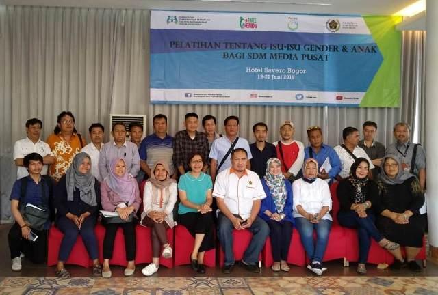 FOTO : Wartawan dari berbagai media massa yang mengikuti Pelatihan Jurnalistik Perspektif Gender dan Ramah Anak di Bogor, Jawa Barat, 19-20 Juni. (ist)
