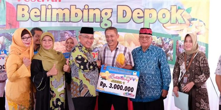 Walikota Depok Buka Festival Belimbing