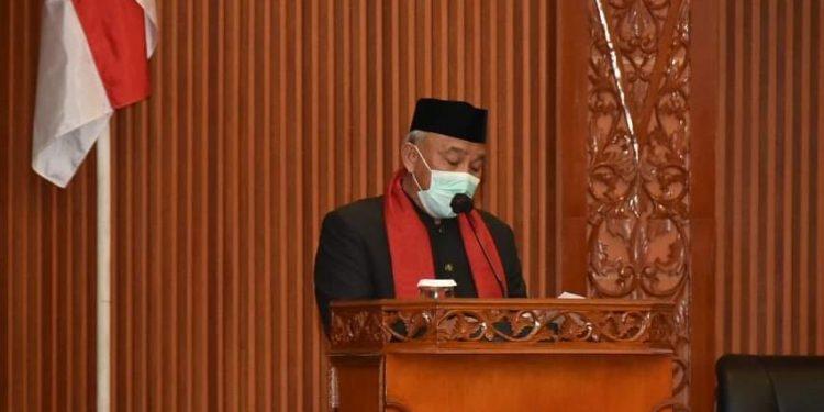 Wali Kota Depok dan Wakil Wali Kota menghadiri Rapat Paripurna Atas Pandangan Umum Fraksi DPRD Terhadap 4 Raperda dan HUT DPRD