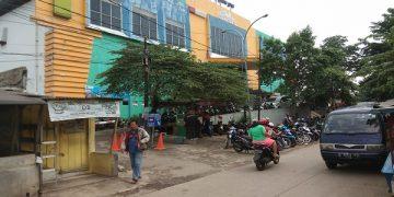 FOTO : Pasar Obor Cijantung, Jakarta Timur/ Heru Lianto