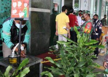 FOTO : Babinsa 06/Setiabudi di ITC Kuningan Setiabudi melaksanakan PDMPK, Minggu (25/10)/kodamjaya-tniad.mil.id