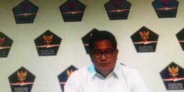 Juru Bicara Satgas Penanganan Covid-19 Prof Wiku Adisasmito saat memberi keterangan pers perkembangan penanganan Covid-19 di Kantor Presiden, Selasa (24/11/2020) yang disiarkan kanal YouTube Sekretariat Presiden/Heru Lianto